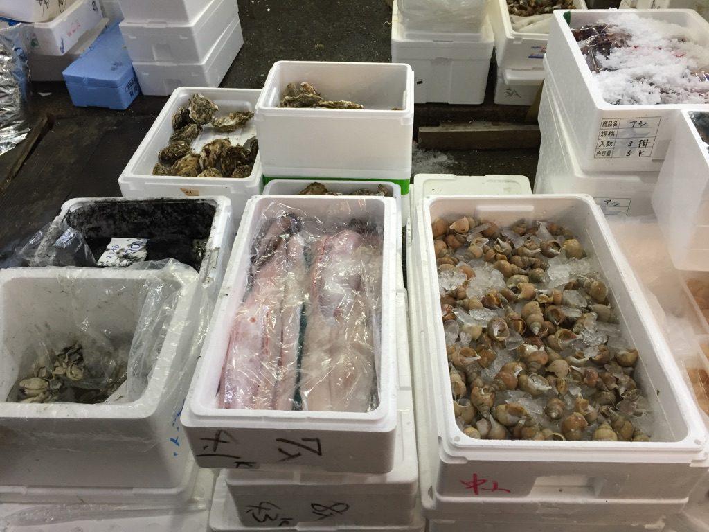 Fruits de mer frais au marché