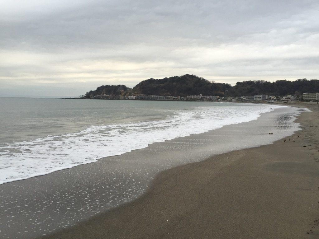Plage au bord de l'océan Pacifique à Kamakura