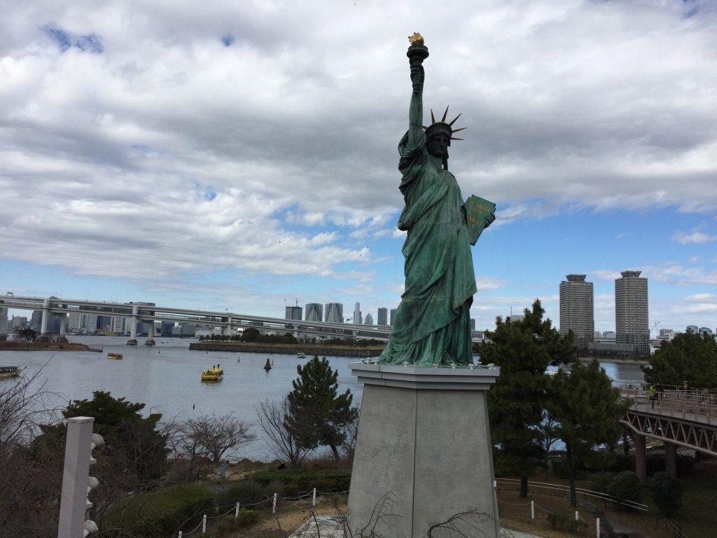 Statue de liberté à Tokyo sur l'île d'Odaiba