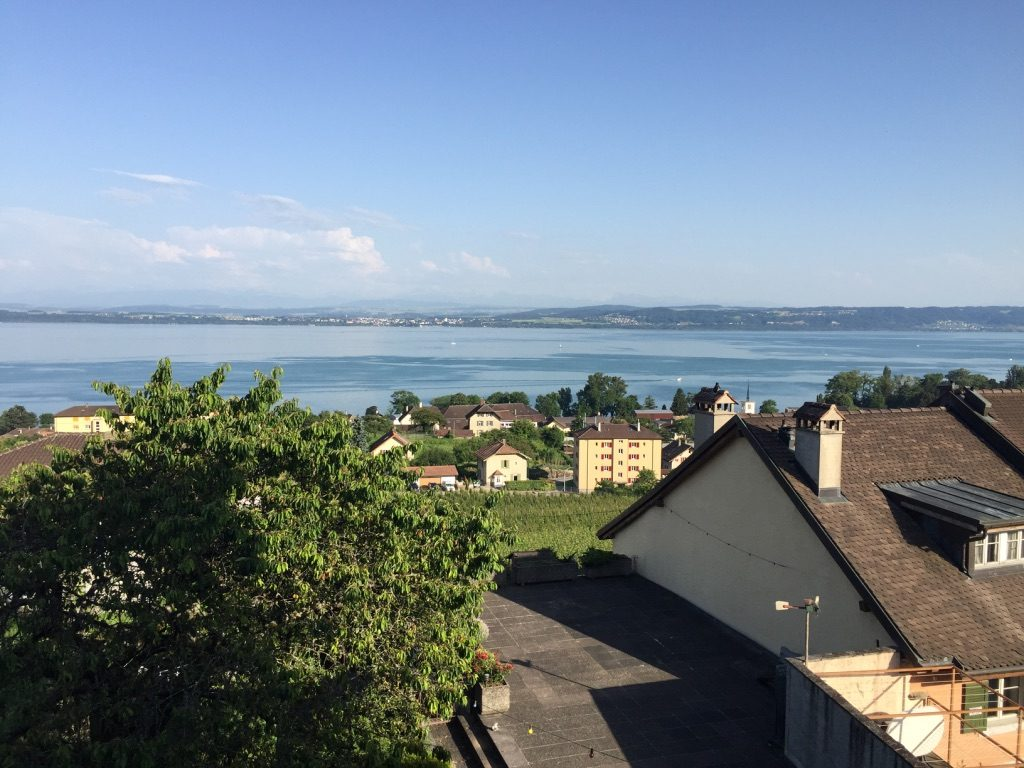 Vue sur le lac Neuchâtel depuis Gorgier