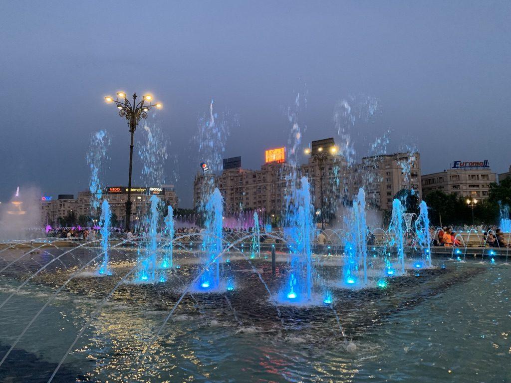 Fontaines sur Piața Unirii à Bucarest